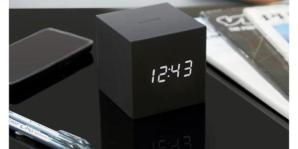 Černý LED budík Gingko Gravitry Cube3