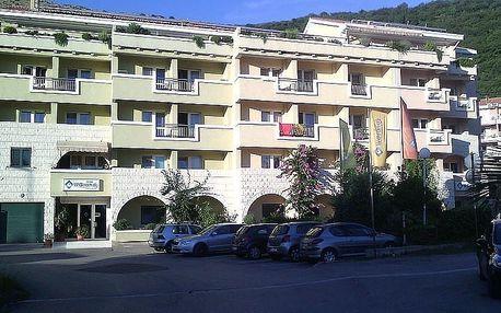 Černá Hora - Petrovac na 10 dní, polopenze nebo snídaně s dopravou autobusem 300 m od pláže