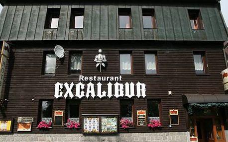 Pobyt pro dva s polopenzí a vstupem do Muzea v oblíbeném hotelu Excalibur Boží Dar.