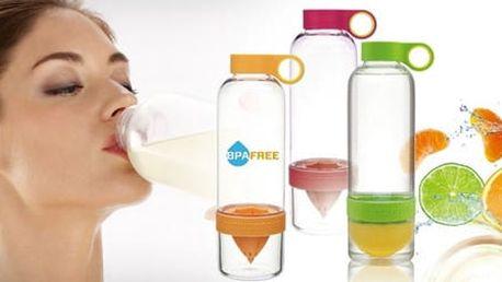 Chytrá láhev na výrobu citronád