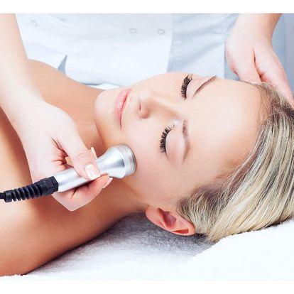 Kosmetická mezoterapie pomocí kyseliny hyaluronové