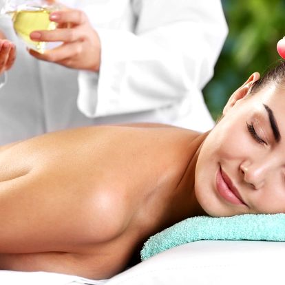 Aromaterapeutická masáž zad, krku, šíje a ramen
