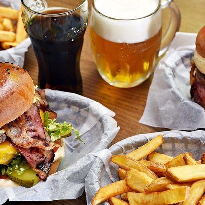 Šťavnatý burger Big Cheese a steakové hranolky