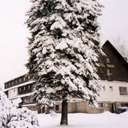 Silvestr na horách? Vydejte se na 5 nocí do hotelu Maxov v Jizerských horách a užijte si vstup do roku 2019.