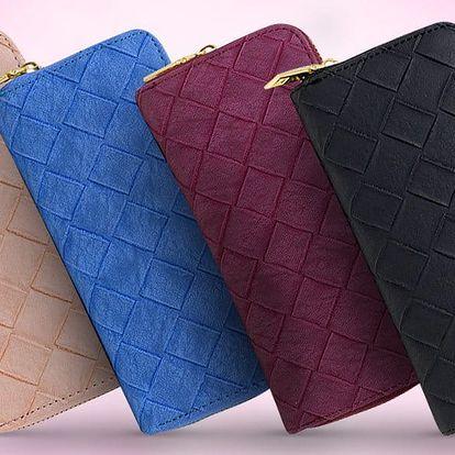 Prostorné peněženky v pastelových barvách