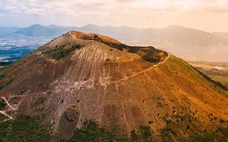 5denní zájezd za krásami jižní Itálie s výstupem na Vesuv a plavbou na ostrov Capri.