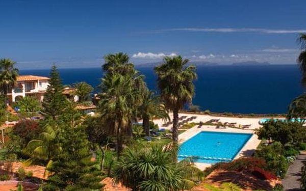 Madeira - Caniço na 8 dní, polopenze nebo snídaně s dopravou letecky z Prahy 2 km od pláže