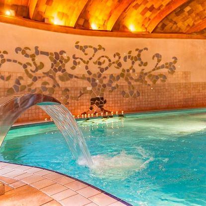 Bük v hotelu Piroska s wellness, polopenzí i vstupenkou do lázní