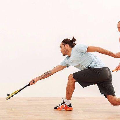 Dejte si do těla: Hodina squashe na kurtu