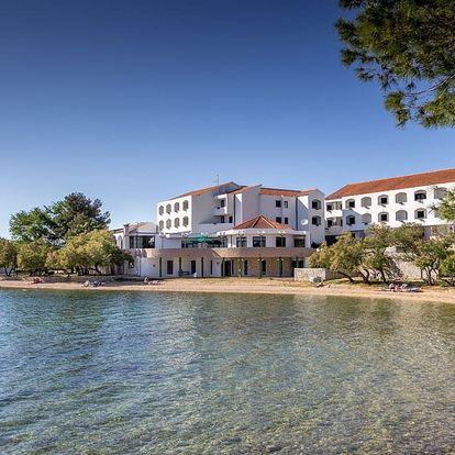 Chorvatsko - Severní Dalmácie na 8 dní, light all inclusive, polopenze nebo bez stravy s dopravou vlastní 30 m od pláže