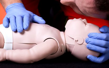 3hodinový kurz poskytování první pomoci dětem