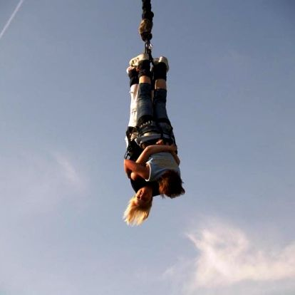Bungee jumping až 120 metrů z jeřábu