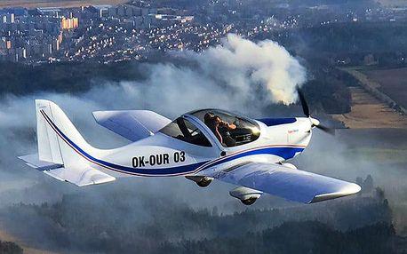 Pilotem na 20 nebo 30 minut nad Točníkem, Žebrákem, Zbirohem, Křivoklátem nebo Karlštejnem