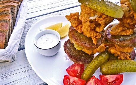 Sedlácká věž pro dva: kuřecí maso a bramboráčky