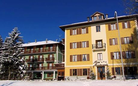 4–8denní Folgaria se skipasem | Hotel Monteverde*** s polopenzí | Dítě zdarma | Turecké lázně a fitness