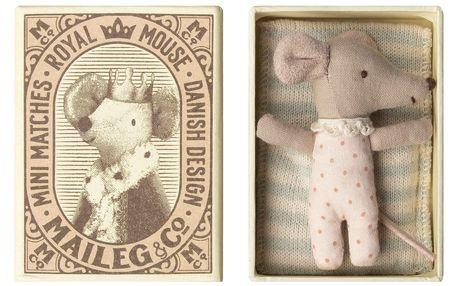 Maileg Myška v krabičce Little Baby Sister Pink, růžová barva, přírodní barva, textil