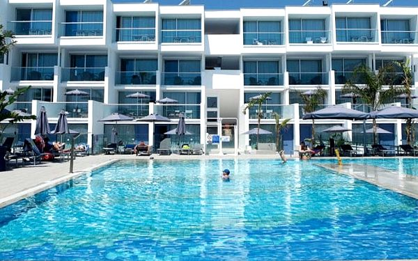 Kypr - Agia Napa na 11 až 13 dní, polopenze s dopravou letecky z Prahy 50 m od pláže