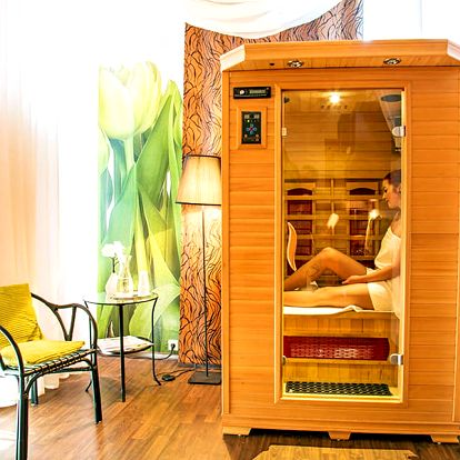Snová dámská jízda ve 4* Parkhotelu Morris Nový Bor s bohatým wellness balíčkem, bazénem i solárkem a polopenzí