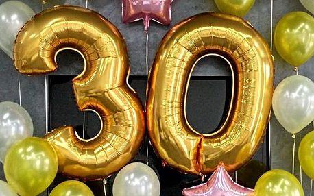 Zlaté a stříbrné nafukovací číslice na párty
