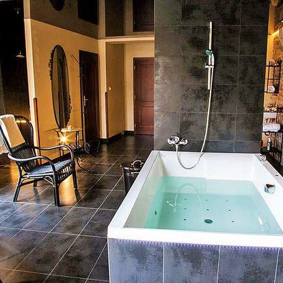 Mariánské Lázně pro dámy ve 4* hotelu s wellness a beauty procedurami, golfovým trenažérem i polopenzí + vstup do bazénu a slevy