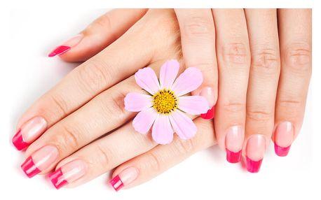 Klasická manikúra včetně lakování nebo gelové nehty