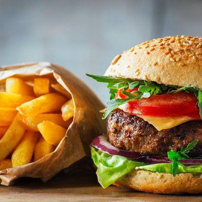 Burger s domácí bulkou a masem z farmy pro 1 i 2