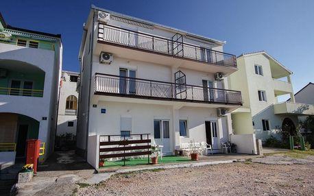 Chorvatsko - Makarská riviéra na 8 dní, bez stravy s dopravou vlastní 180 m od pláže