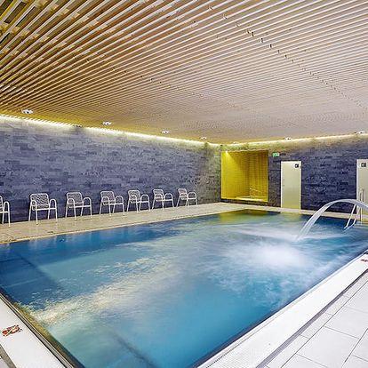 Vysočina v krásném hotelu SKI s neomezeným fitness, vstupem do wellness, lahví vína a polopenzí