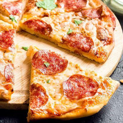 Pizza dle výběru v útulné rodinné kavárně