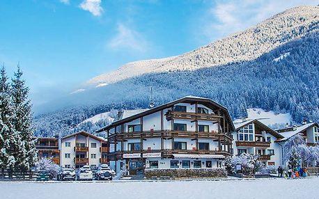 Zasněžené italské Alpy v rodinném hotelu s neomezeným vstupem do wellness a polopenzí + vstup do bazénu a platnost do dubna 2019