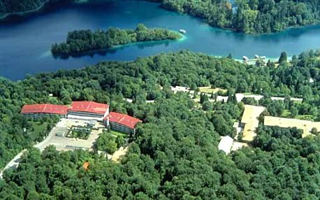 Chorvatsko - Plitvická jezera na 2 až 3 dny, polopenze nebo snídaně s dopravou vlastní 300 m od pláže