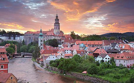 Pobyt v Pensionu Franko se snídaní pro dva. Český Krumlov láká ve všech ročních obdobích.
