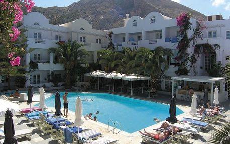 Řecko - Santorini na 8 dní, polopenze nebo snídaně s dopravou letecky z Prahy přímo na pláži