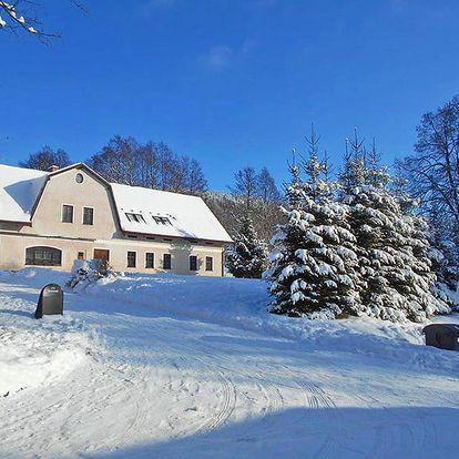 Krkonoše v zimě v penzionu uprostřed malebné obce Horní Albeřice s polopenzí a wellness