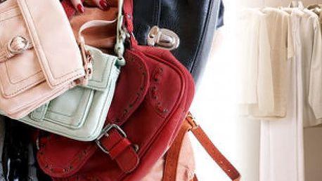 Věšák na kabelky