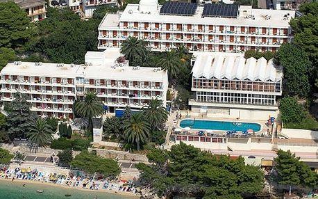 Chorvatsko - Podgora na 10 dní, polopenze s dopravou autobusem přímo na pláži