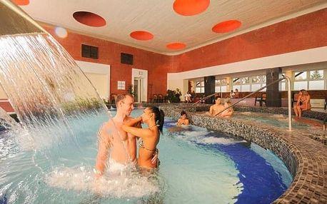 Eger v Hotelu Flóra *** propojeném s termálními lázněmi s polopenzí a wellness