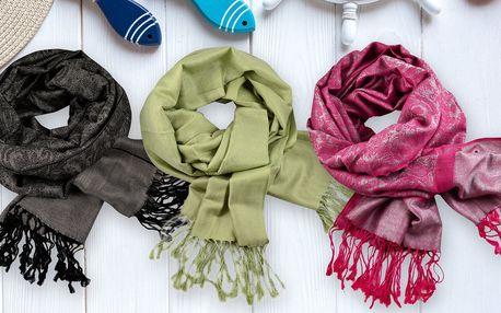 Dámské zimní šály v mnoha barvách