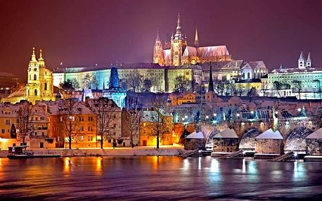 50minutová adventní plavba Prahou po Vltavě s cukrovím a horkým nápojem pro 1 osobu