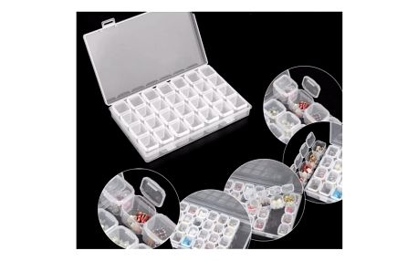 Prázdná skladovací krabička na nehty či korálky