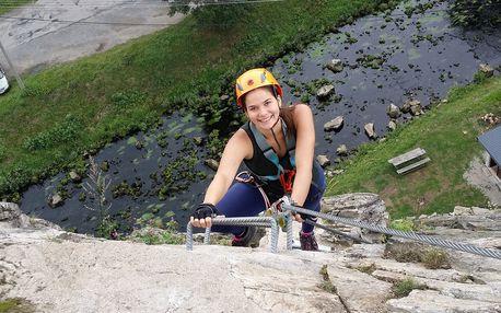 Zážitkové Via ferrata lezení s trenérem na Vysočině,