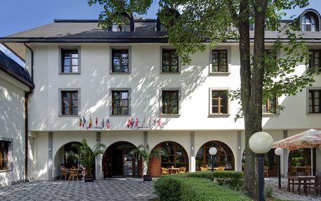 Hotel Na Zámečku**** v klidné pražské lokalitě u zastávky MHD