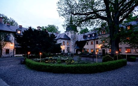 Polsko: 3-4 dny na zámku pro dva s polopenzí, neom. wellness