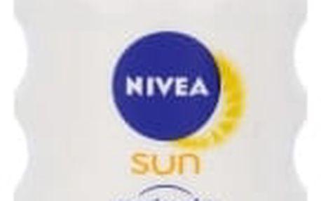 Nivea Sun Protect & Sensitive Spray SPF30 200 ml opalovací přípravek na tělo pro ženy