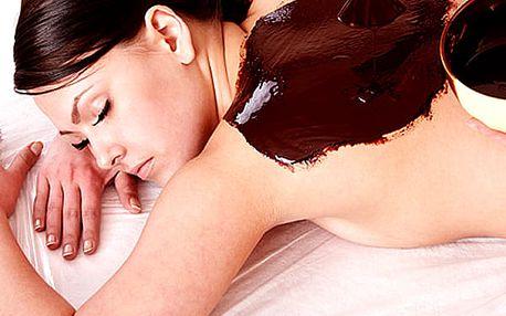 Sauna, masáž včetně zábalu nebo čokoládová terapie pro dva + ovoce či sklenka sektu