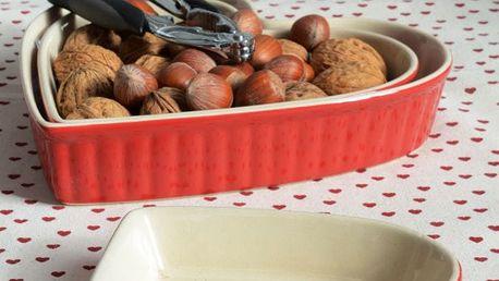 IB LAURSEN Zapékací mísy Heart Mynte Strawberry Velikost L, červená barva, keramika