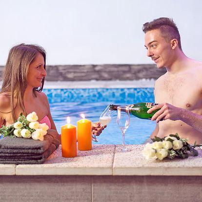 Relax u termálního jezera Hévíz se vstupem do wellness a lázní Kehidakustány + polopenze s neomezenou konzumací nápojů