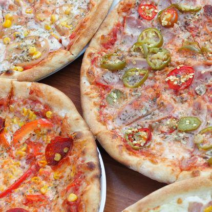2× pizza o průměru 33 cm nebo 1× obří jumbo pizza