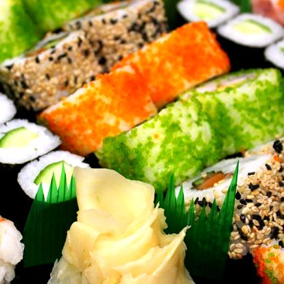 Sushi set s lososem, tuňákem i vege: 24–52 kusů