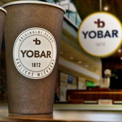 Dvě kávy latte macchiato v Yobaru ve Vaňkovce